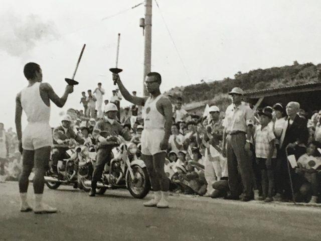 昭和39年 遠賀農芸高校生徒による東京オリンピック聖火リレー